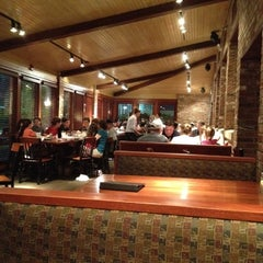 Photo taken at Cheddar's Casual Cafe by Aaron D. on 5/1/2012