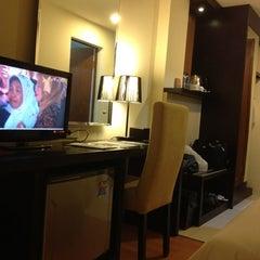Photo taken at Hotel Griptha by Fredric W. on 9/5/2012