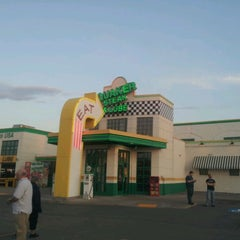 Photo taken at Quaker Steak & Lube® by Sarah N. on 5/19/2012