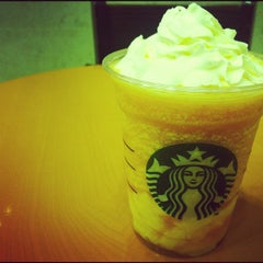 Photo taken at Starbucks Coffee JR東京駅日本橋口店 by hirotomo on 7/8/2012