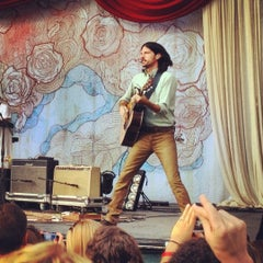 Photo taken at Edgefield Concerts On The Lawn by Jonathon C. on 8/26/2012