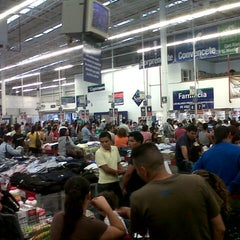 Photo taken at Sam's Club by KingtaMan M. on 8/19/2012