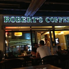 Photo taken at Robert's Coffee by Bedii D. on 6/7/2013