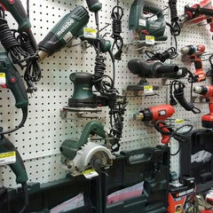 Photo taken at Ace Hardware by Atmo on 8/1/2015