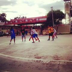 Photo taken at Lapangan basket ball kapuas by Merry C. on 7/11/2014