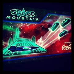 Photo taken at スペース・マウンテン (Space Mountain) by Akira on 12/27/2012