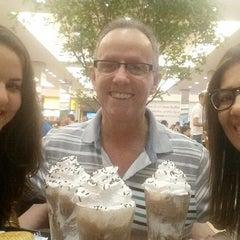 Photo taken at Café do Ponto by Camila B. on 2/17/2015