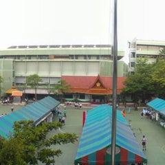 Photo taken at โรงเรียนทวีธาภิเศก (Taweethapisek School) by EarTh' P. on 7/19/2013