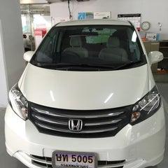 Photo taken at Wong Honda Cars (วอง ฮอนด้าคาร์ส์) by Airawan A. on 6/11/2015