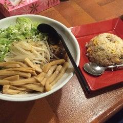 Photo taken at 和歌山風とんこつラーメン ザ・サムライ by いなか☆らいだぁ on 1/14/2015