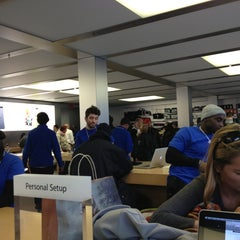 Photo taken at Apple Store, West 14th Street by Jrgts on 3/2/2013