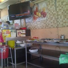 Photo taken at Restoran Teratak Ibunda by Amay H. on 5/11/2013