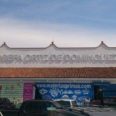 Photo taken at Mercado La Cruz by Pakiro R. on 1/12/2013