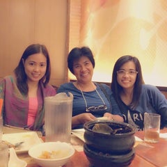 Photo taken at Max's Restaurant by Maricar S. on 2/1/2015