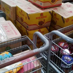 Photo taken at LotteMart Wholesale by anto f. on 7/5/2014