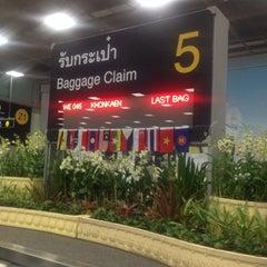 Photo taken at Baggage Claim 5 by Gigi L. on 5/13/2014