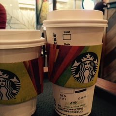 Photo taken at Starbucks by Misun H. on 5/3/2015