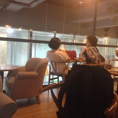 Photo taken at Café NESCAFÉ by HABI on 8/14/2014