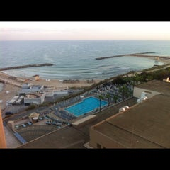 Photo taken at Hilton Pool by Wayne U. on 8/22/2012