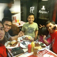 Photo taken at SteakHotel by Holycow! by Dede SP on 5/10/2015