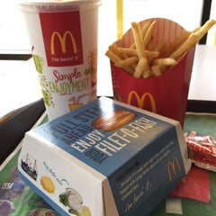 Photo taken at McDonald's by Irvin S. on 9/24/2014