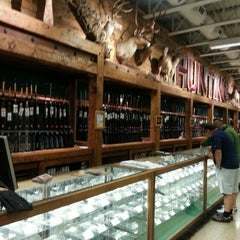 Photo taken at Bass Pro Shop by FOOD STRATEGY C. on 5/16/2013