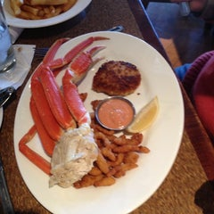 Photo taken at Joey's Seafood & Grill by John M. on 11/24/2012