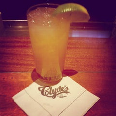 Photo taken at Clyde's of Chevy Chase by MYKAL™ on 10/17/2012