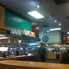 Photo taken at Golden Corral by Eric C. on 5/18/2013