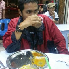 Photo taken at Restaurant Ameer Ehsan by Shahrul F. on 1/25/2015