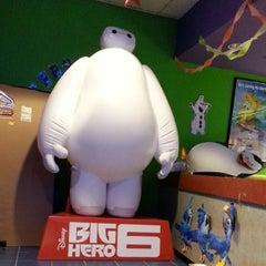 Photo taken at Regal Cinemas Harrisburg 14 by Curt J. on 1/29/2015