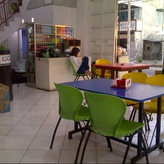 Photo taken at Café Muda-Mudi by Qurniawan S. on 2/3/2013