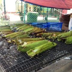 Photo taken at Pulut Panggang Simpang Ampat by AN N. on 3/30/2013