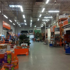 Photo taken at The Home Depot by Hoony on 10/27/2012