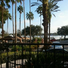 Photo taken at Renaissance Vinoy - Terrace by Zoie M. on 11/15/2012