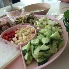 Photo taken at ลาโรส แหนมเนือง by Sasimaporn S. on 4/21/2014