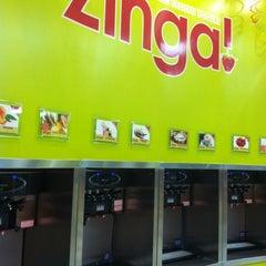 Photo taken at Zinga! Frozen Yogurt by Alan B. on 9/29/2012