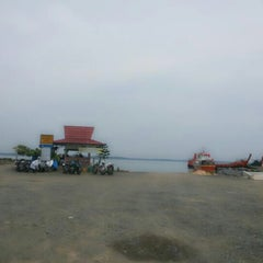 Photo taken at Pelabuhan Ferry Tarjun by jams c. on 2/8/2014