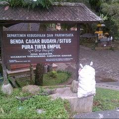 Photo taken at Pura Tirta Empul (Tirta Empul Temple) by Lukman J. on 1/27/2013