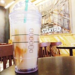 Photo taken at Starbucks 星巴克 by Benjamin T. on 9/14/2014