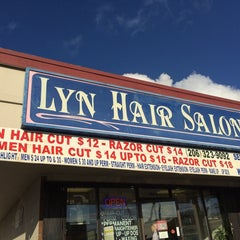 Photo taken at Lyn Hair Salon by C.Y. L. on 11/23/2014
