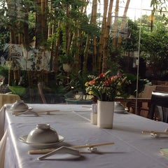 Photo taken at Thanh Niên Restaurant by shogo h. on 9/24/2013