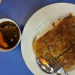 Photo taken at Restoran Kubang Hayuda by Tandy T. on 5/19/2014