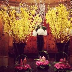 Photo taken at Four Seasons Hotel Singapore by Austin W. on 1/22/2013