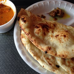 Photo taken at Rajjot Sweet & Snack Food To Go by Wataru I. on 9/18/2014