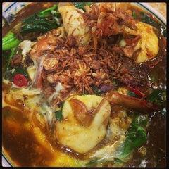 Photo taken at Kok Sen Restaurant by YH T. on 3/27/2013