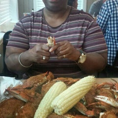 Photo taken at Skipjack's Crab House and Sports Bar by Stacy E. on 7/20/2014