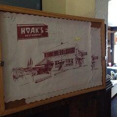 Photo taken at Hoak's Lakeshore Restaurant by Laura H. on 8/18/2014