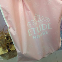Photo taken at Etude House by Pias🚀 on 12/28/2014