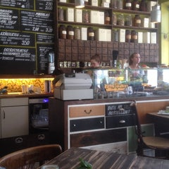 Photo taken at Café Resonanz by Christian P. on 5/21/2014